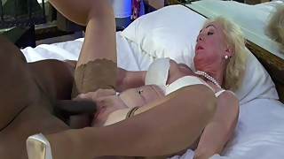 Blonde Mature Nympho Gets BBC Ride.